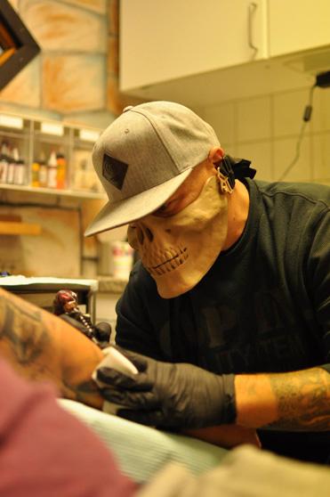 http://www.underskin.se/wp-content/uploads/2015/01/underskin_tattoo_peter_bartos_karlskrona.jpg